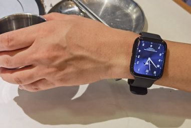 OPPO Watch Review: Fascinating Outside and Inside